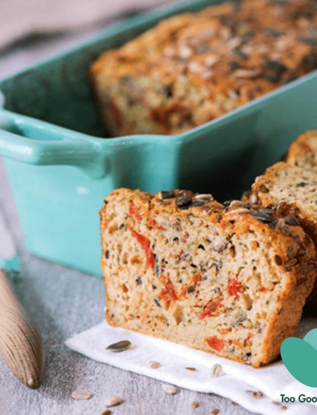 Gezouten cake met courgetten, gekonfijte tomaten en granen
