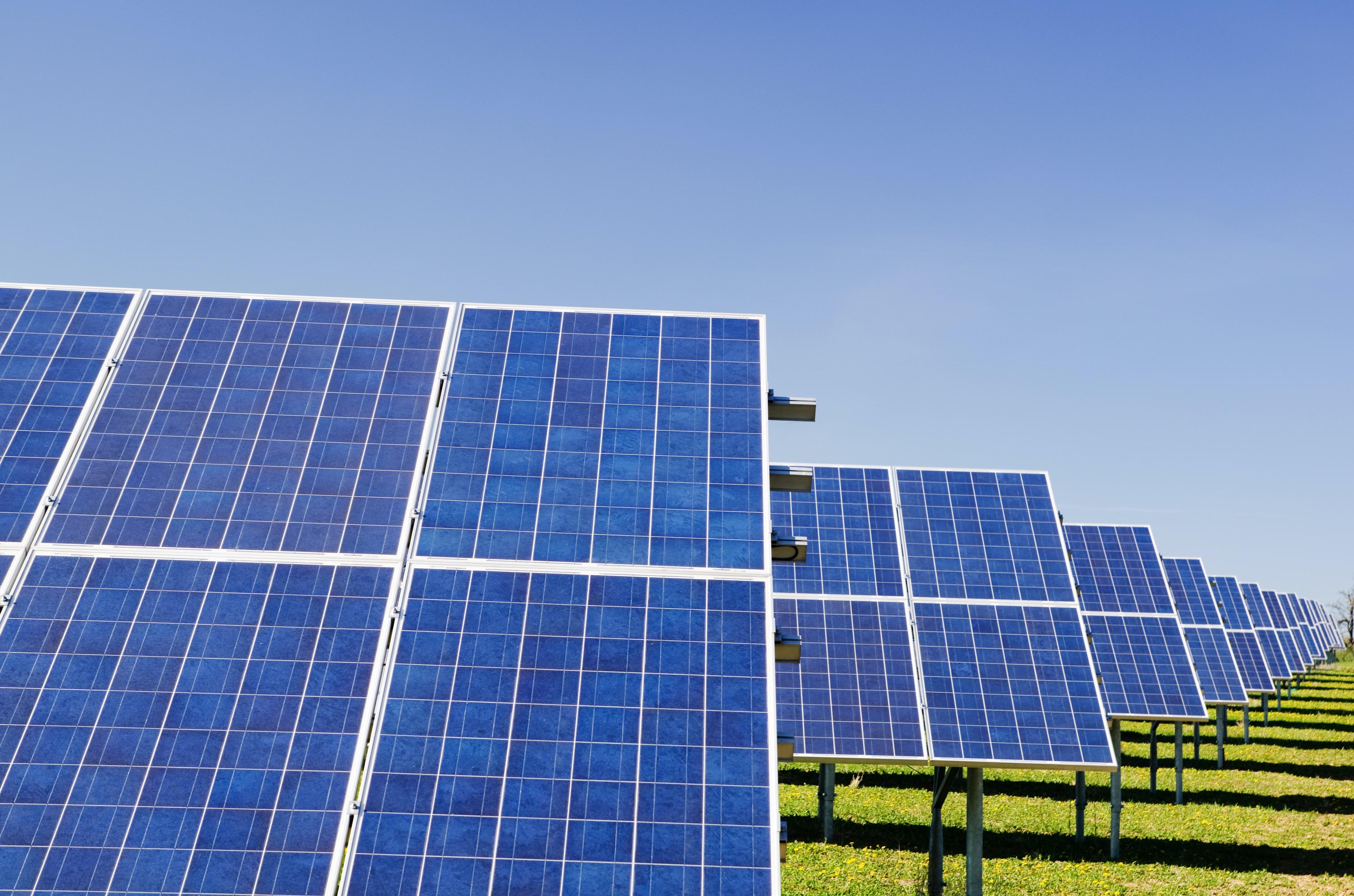 2.900 zonnepanelen plaatsen